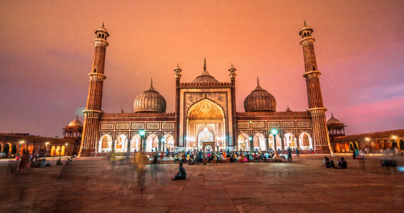 Famous Places To Visit In Delhi On a Short Vacation